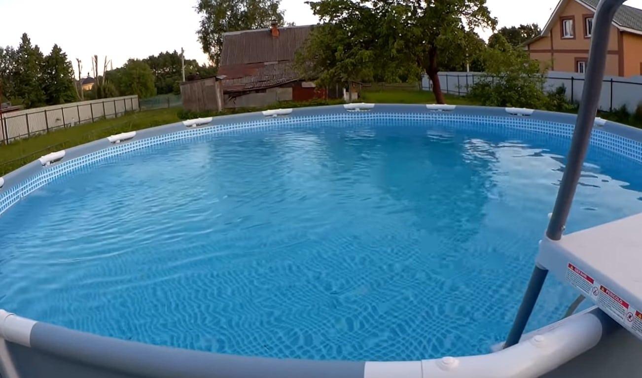 Компания Водовоз наполнила бассейн кристально чистой водой
